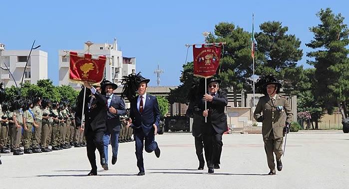 I Bersaglieri del 6° Reggimento di stazza a Trapani, celebrano i loro 183 Anni di Corsa