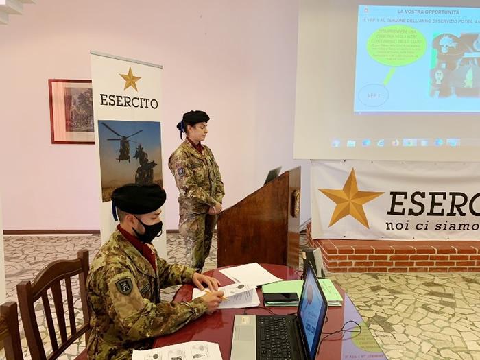 Esercito e didattica a distanza nelle scuole a Trapani (7)