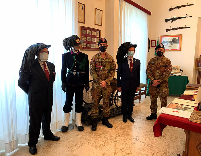 """Il 6° reggimento Bersaglieri della Brigata """"Aosta"""" ricorda i centosessant'anni dalla sua costituzione."""